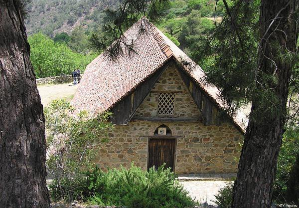 Church of Timios Stavros (Holy Cross) tou Agiasmati, Platanistasa
