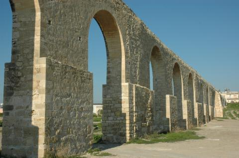 Arches, Larnaca