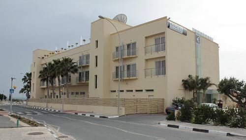 E-Hotel **** @ Pervolia