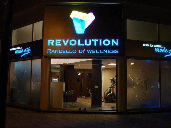 REVOLUTION RANDELLO DI' WELLNES