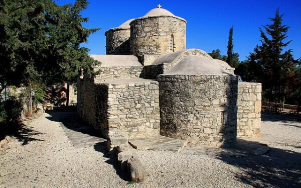 Church of Agia Anastasia Farmakolitria, Polemidia