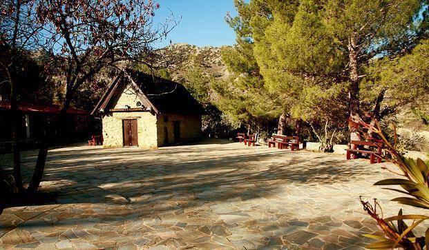 """Church of """"Panagia Kardakiotissa"""", Alona"""