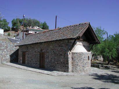 Η εκκλησία του Αγίου Μάμα στο χωριό Λουβαράς