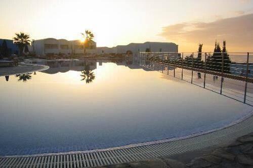 Theo Sunset Bay Holiday Village @ Kissonerga