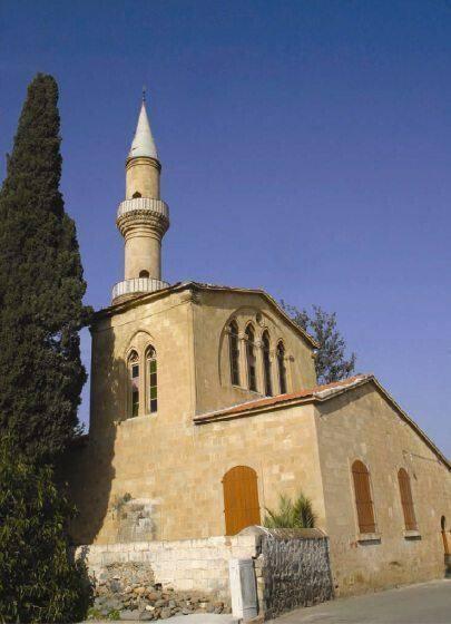 Το τζαμί στο χωριό Περιστερώνα