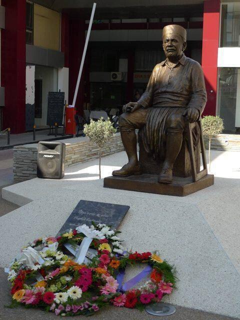 Άγαλμα Μιχάλη Κάσσιαλου, στη Λάρνακα
