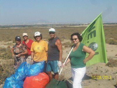 Καθαρισμός στην παραλία  Μενεού